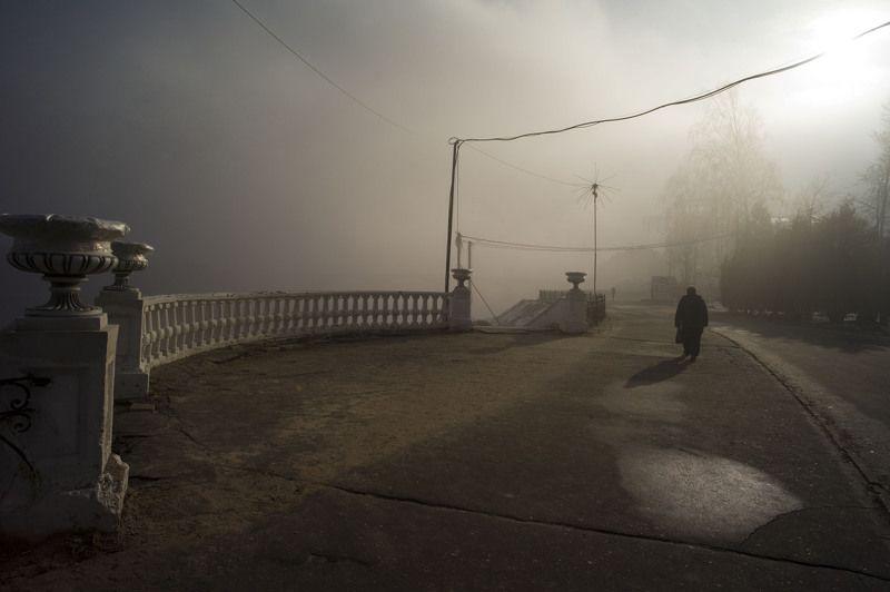 портрет любовь красота очки пирсинг туман город тверь Набережнаяphoto preview
