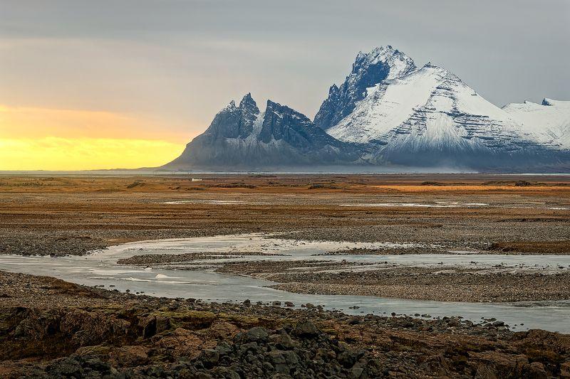 Исландия, горы, закат, река, Iceland, mountains, sunset, river, stones,  Место где солнце поджигает вулканыphoto preview