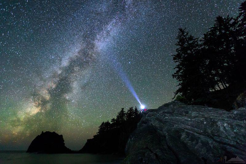 млечный путь, звезды,свет,скала,человек,океан,сша,орегон Сказочно-звездная ночьphoto preview