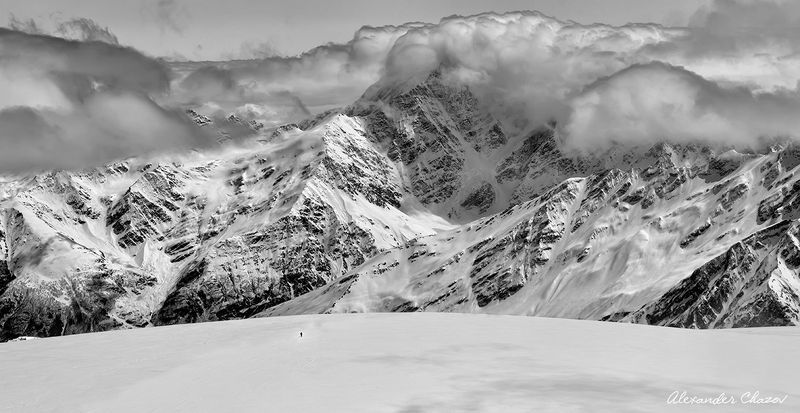 кавказ, горы, восхождение, альпинизм, вершина, облака Вызовphoto preview