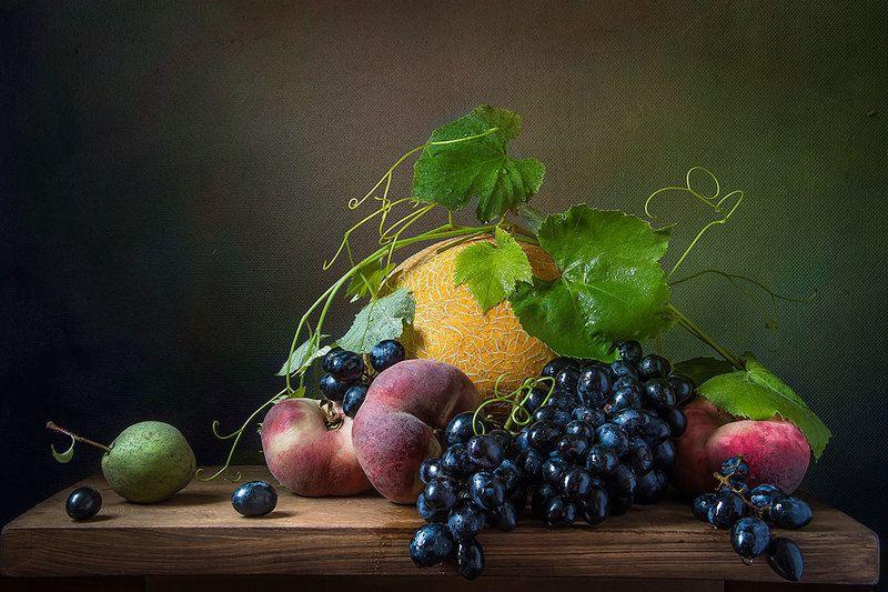 красивый натюрморт с фруктами,виноград,дыня,груши,нектарин,искусство,творчество,художественное фото,людмила костюченко. В конце лета.photo preview