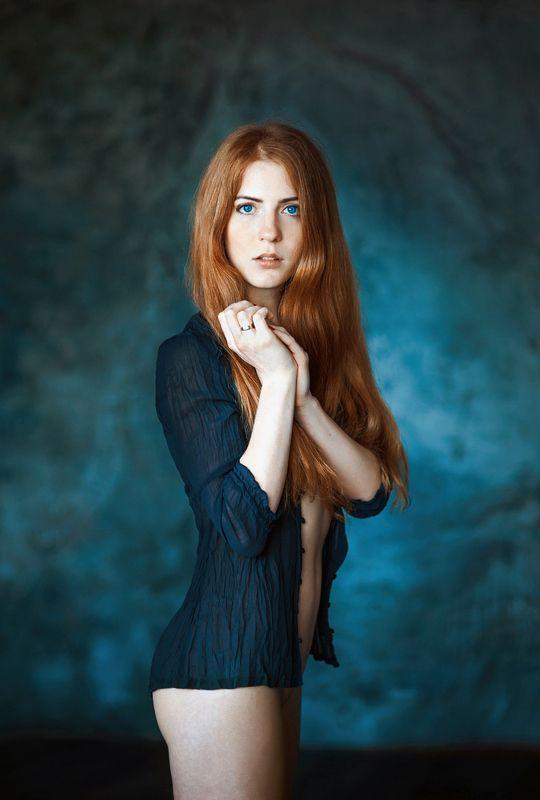 девушка, портрет Таняphoto preview