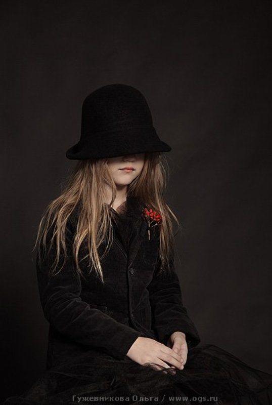девочка, портрет, рябина, ребенок Девочка с рябинойphoto preview