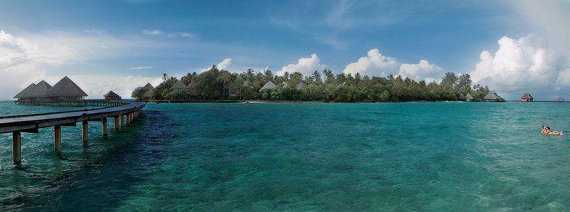 весь покрытый зеленью...абсолютно весь!...остров в океане...photo preview