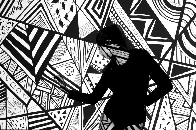 девушка студия чб монохром геометрияphoto preview