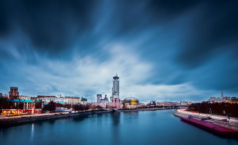 View from the Novospasskiy bridge in Moscowphoto preview