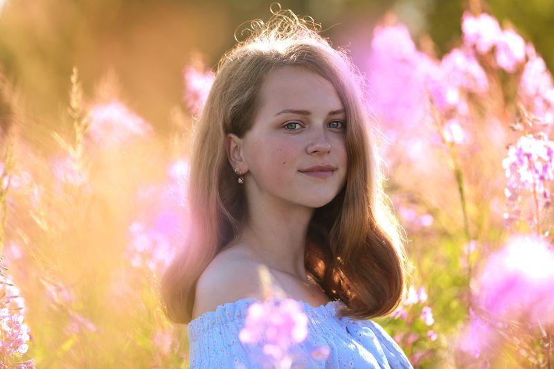 лето, цветы иван-чая,девушка,  портрет. Кипрей и мёд.photo preview