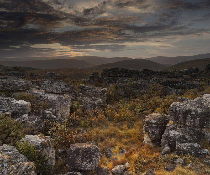 ангола, лубанго, рассвет, камни, осень Tundavala, рассвет в городе камней 2photo preview