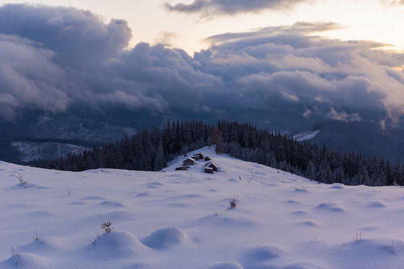 Закат в горахphoto preview