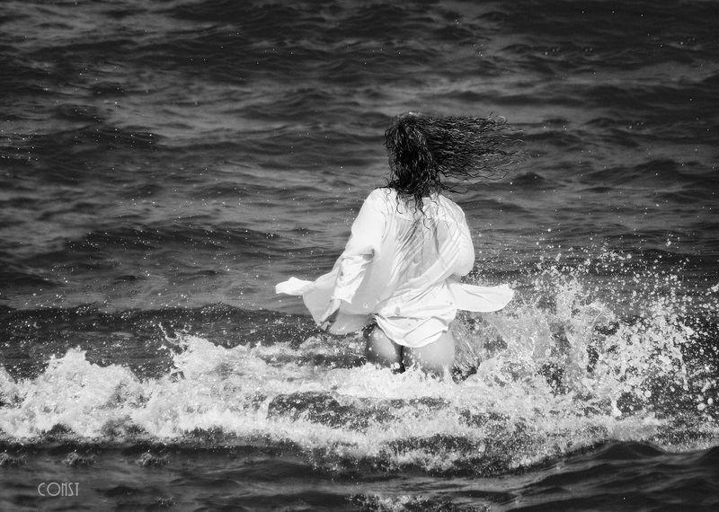 dress, girl, recreation, woman, beach, horizon over water, sexy, surf, seashore, sea, sun, wind, splashes, waves, buttocks, naked, mermaid, runs, happiness, joy, freedom, константин скоморох, konstantin skomorokh, Joyphoto preview