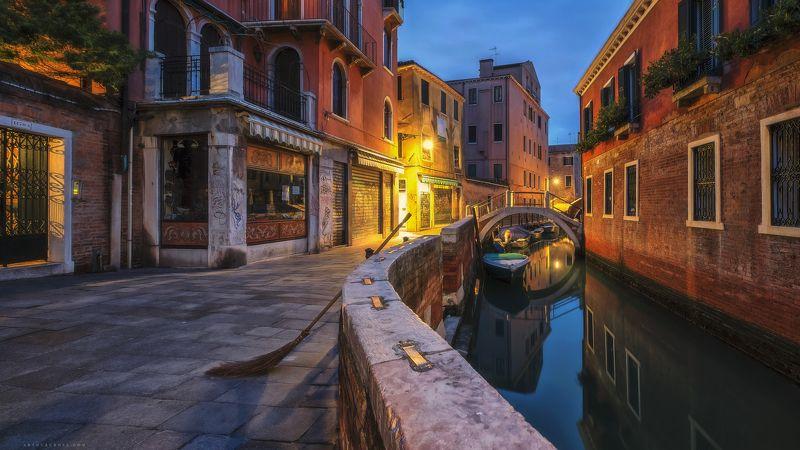 #italia #италия #венеция Ночные улицы Венецииphoto preview