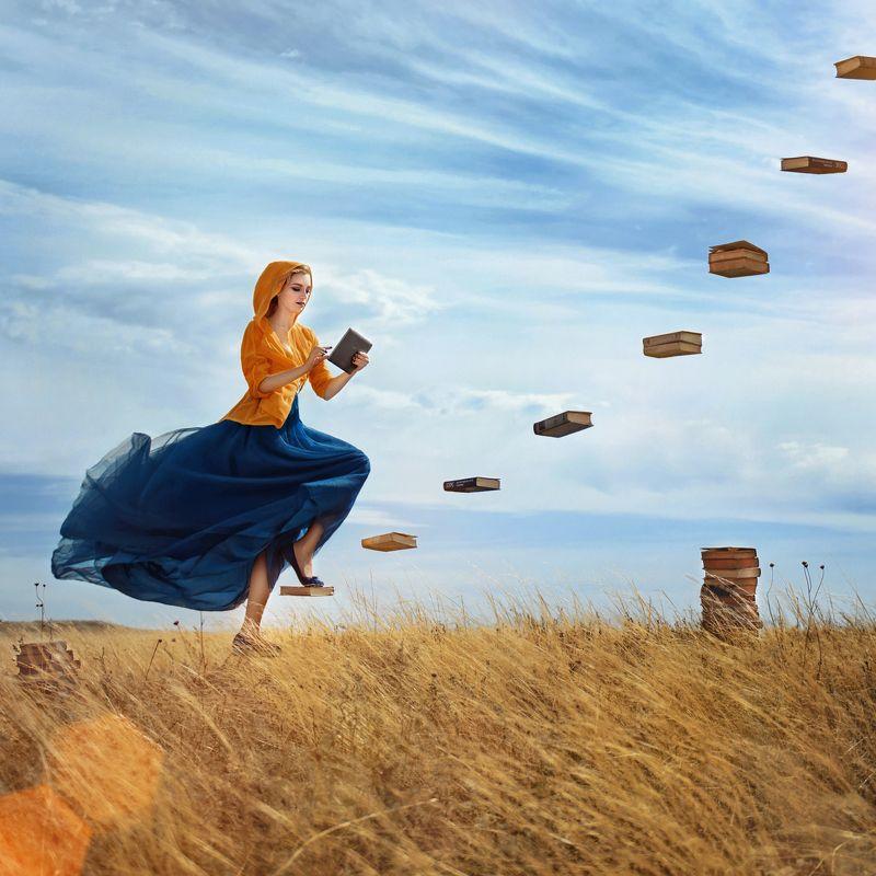 знание, книги, планшет, размышления, противоречия, девушка Знание — это то, что наиболее существенным образом возвышает одного человека над другим.photo preview