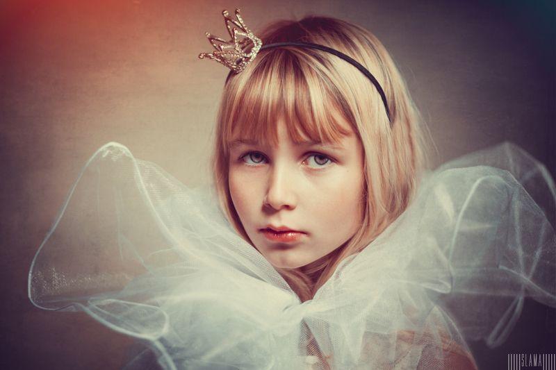 girl, queen *photo preview