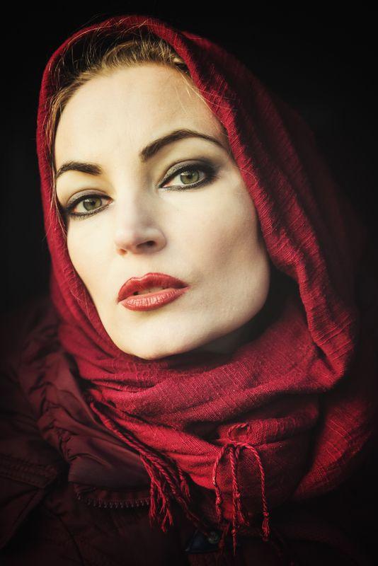 girl woman арт портрет portrait Portrait with Scarf - Портрет с шарфомphoto preview