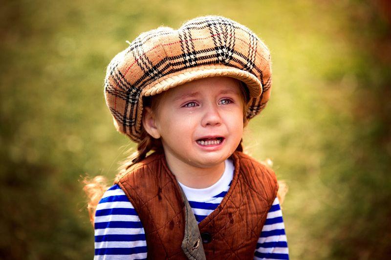 малыш, детский портрет, портрет, взгляд, слезы, ребенок плачет, эмоции, эмоциональная, на природе,  Когда совсем не до Смешариков ...photo preview