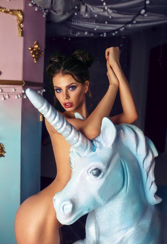 nude girl unicorn blue lights sexy body anna tukacheva Flawless Unicornphoto preview