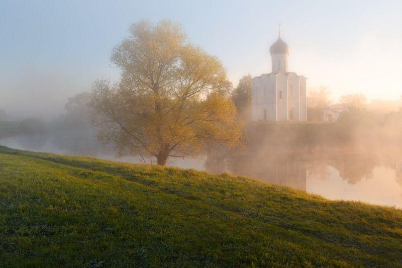 Храм Покрова Пресвятой Богородицыphoto preview