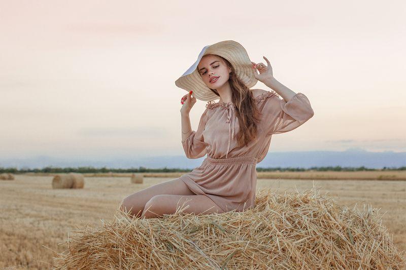 девушка, поле, пшеница, закат, простор В августе...photo preview