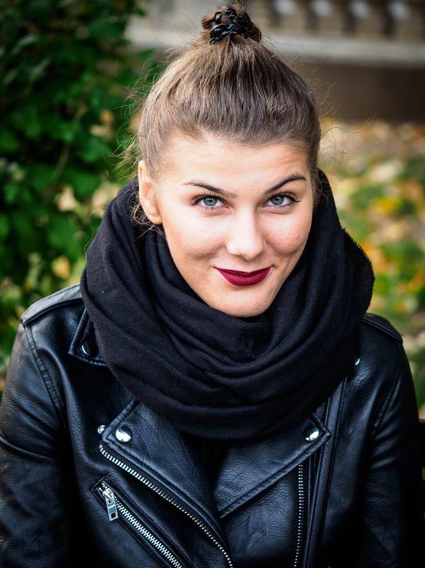 woman, portrait, colors I.photo preview