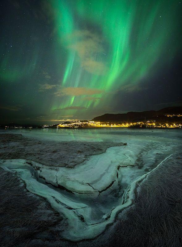 winter,north lights,aurora,borealis,scandinavia,north,norway,norwegian,ice,frozen,sky,night sky,night photo,astronomy, Winter beautyphoto preview