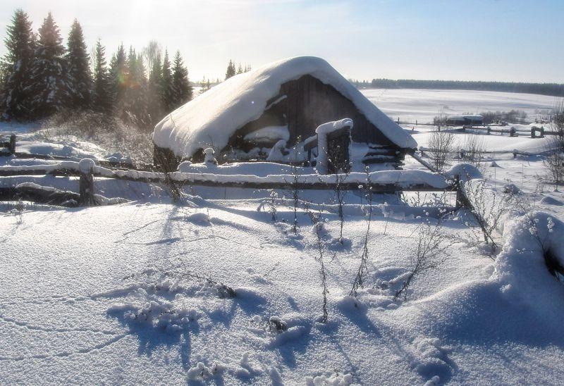 Снежные кругом сугробы, зиму украшали чтобы.photo preview
