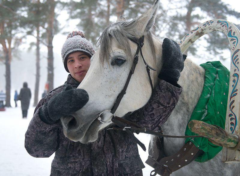 Городской парк / Руслан Меджидов I лошадка ~ Картинка /photo preview