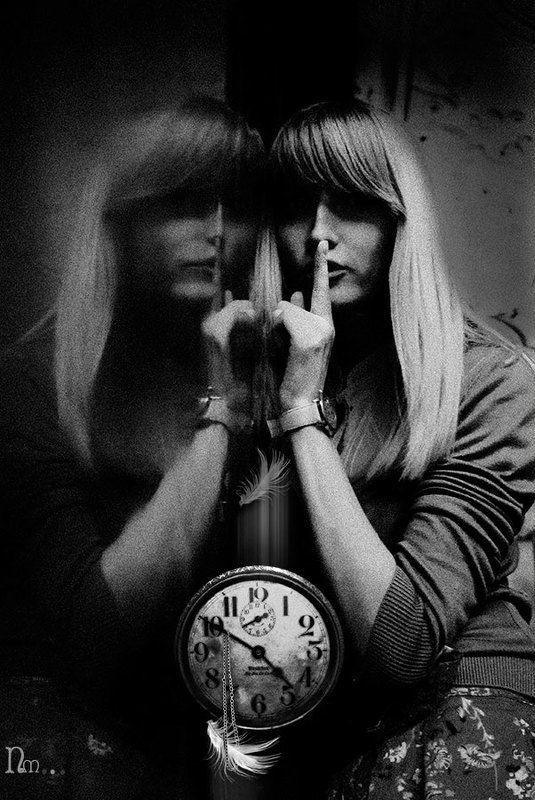 часы, перышко,взвешывание, тишына, таинство,зазеркалие СКОЛЬКО ВЕСИТ МИГ?photo preview