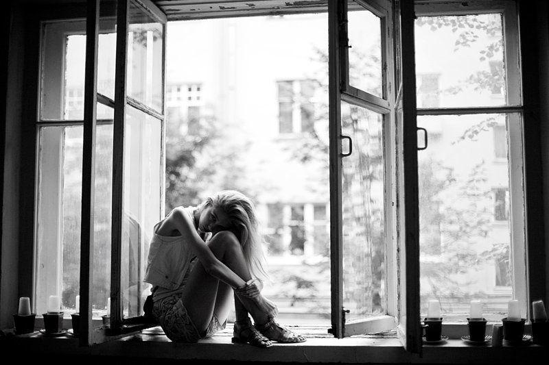 девушка, окно, меланхолия melancholyphoto preview