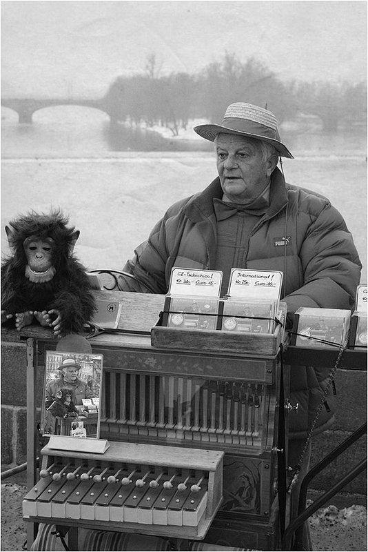 Шарманщик с обезьянкой картинки