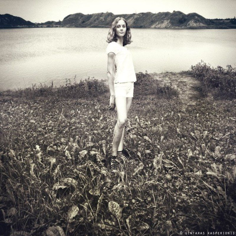 girl, lake, hill, water, mono, девушка, озеро, гора, вода, моно Ievaphoto preview