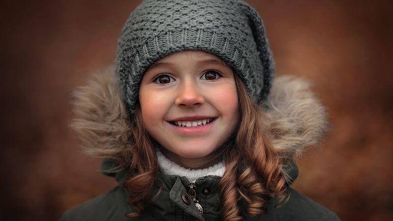 портрет, девочка, ребенок, малыш, улыбка, глаза, взгляд, смех, эмоции good moodphoto preview