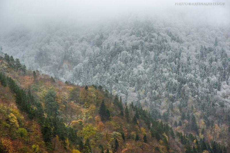 горы, предгорья, осень, хребет, вершины, пики,обрыв, скалы,облака, путешествия, туризм, карачаево-черкесия, кабардино-балкария, северный кавказ СРАЖЕНИЕphoto preview