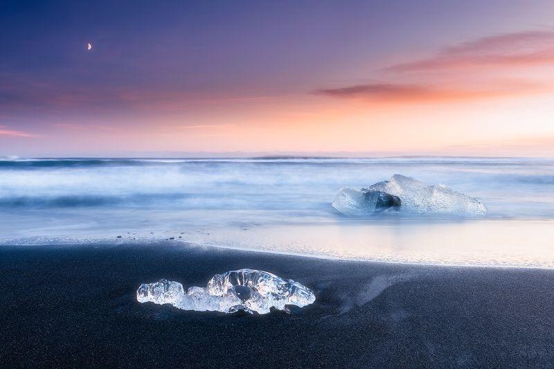 Diamond Beach, Dramatic, Serene, Sunset, Sunrise, Ice, Iceberg, Winter, Sky,Skies, Clouds, Ocean, Waves, Landscape, Black Sands, Iceland, Horizon Diamond Beachphoto preview