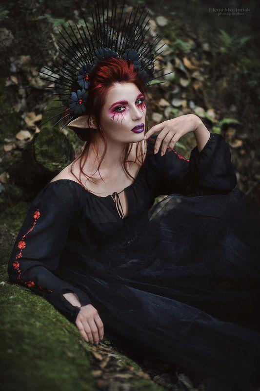 dark еlf, темный эльф, фея, сказкеа, мистика, креативный макияж, лес, темный лес, черное, эльфийская девушка, кровь, меч, кинжал dark еlfphoto preview