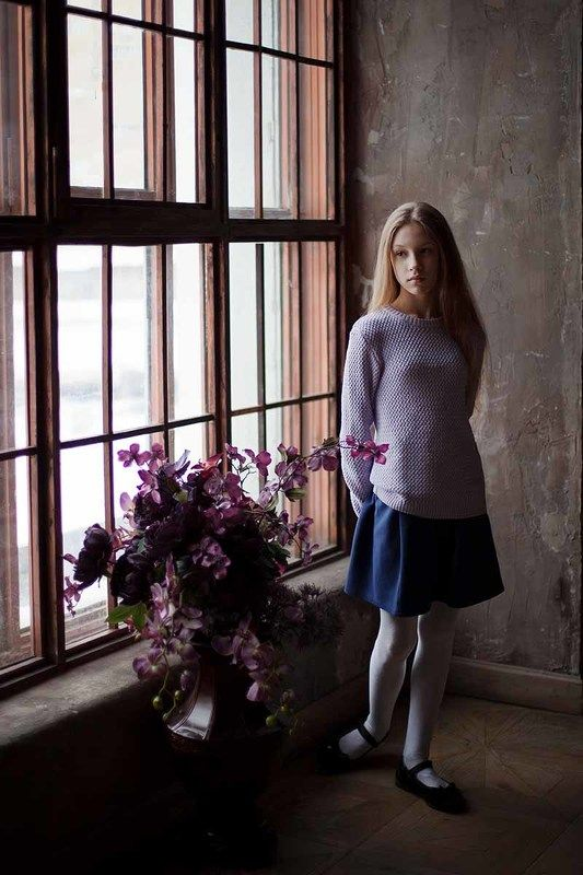 свет, девочка, портрет, ростовой портрет, ребенок, подросток, фотография, классика Девочкаphoto preview