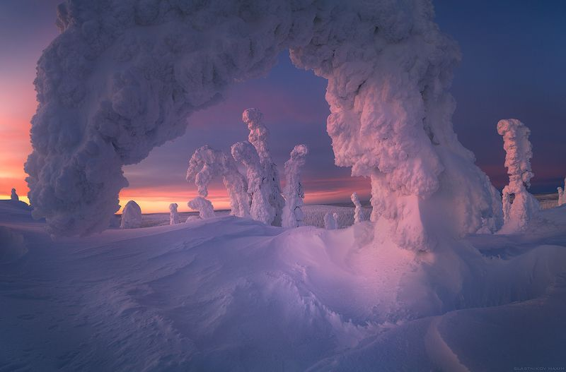 финляндия, лапландия, снег, ветер, закат, небо, путешествия, ветер, буря, снег, холмы, горы, outdoore, travel, sky, scenic, lapland, finland, explore, sky, sunset, light, snow, wind, alone, forest, hills, landscape, dusk, sunset Dragons of Riisitunturiphoto preview