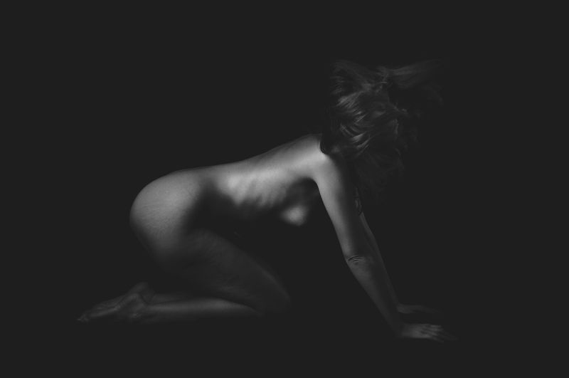 nude, body, shade, black and white, shapes, motion, naked, bw In motionphoto preview