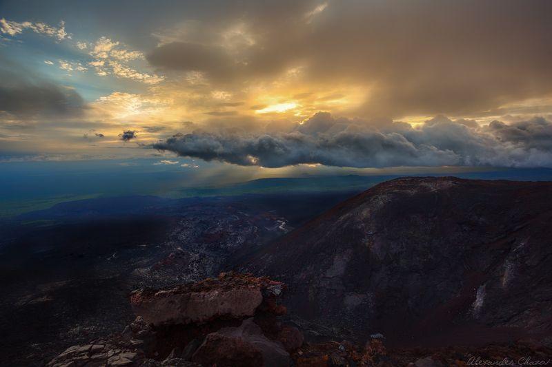 камчатка, вулкан, закат, облака, пейзаж, природа Вечерние краски Камчаткиphoto preview