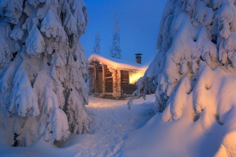финляндия, лапландия, холод, снег, зима, сугробы, домик, лес, одиночество, мороз, свет, окно, тепло, очаг, night, forest, snow, winter, light, trees, forest, light, alone, travel, trekking, finland, lapland, riisitunturi Winter\'s Heartphoto preview