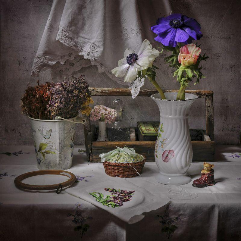 анемоны,вышивка,винтаж,ваза,цветы, Натюрморт с анемонами.photo preview