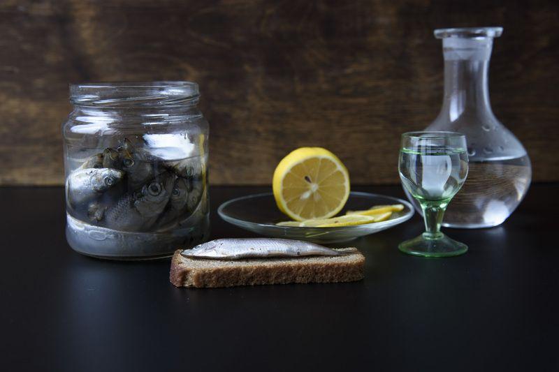 Килька, лимон, застолье, закуска Килькаphoto preview
