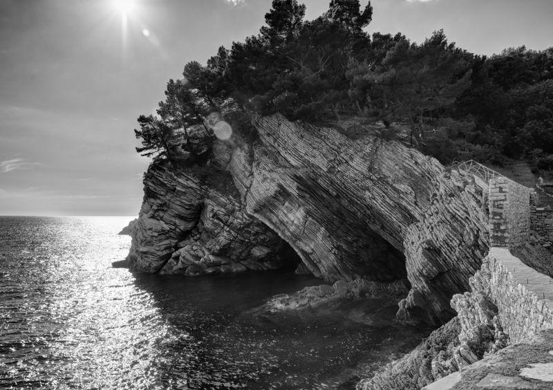 скала, море,  пейзаж, природа, ч/б, солнце -photo preview