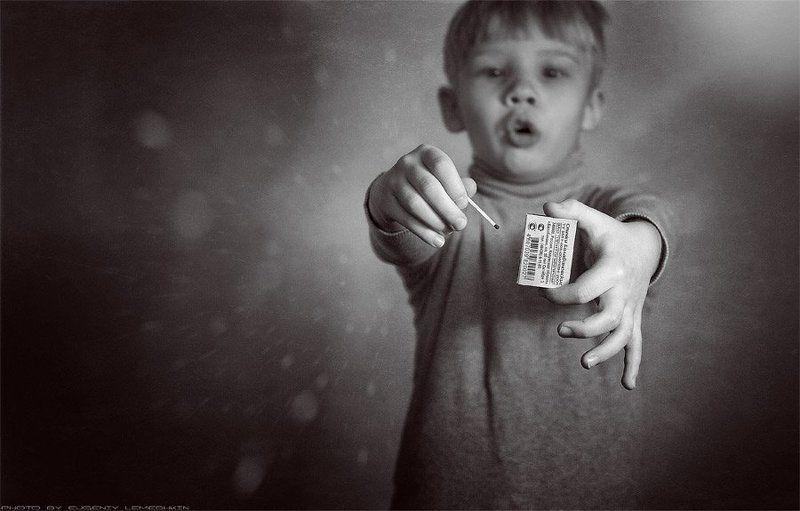 Не давайте детям спички, они сами их возьмут..photo preview