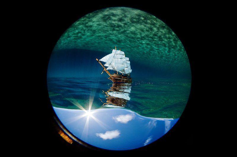 циркуляр, корабль, море, небо, облака Плывут по небу облакаphoto preview