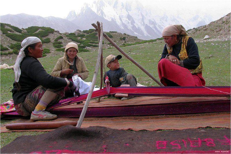 горы, китай, памир, памирцы Из жизни памирцевphoto preview