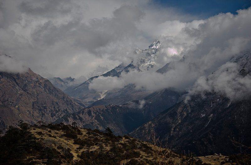 Гималаи хмурятся.photo preview