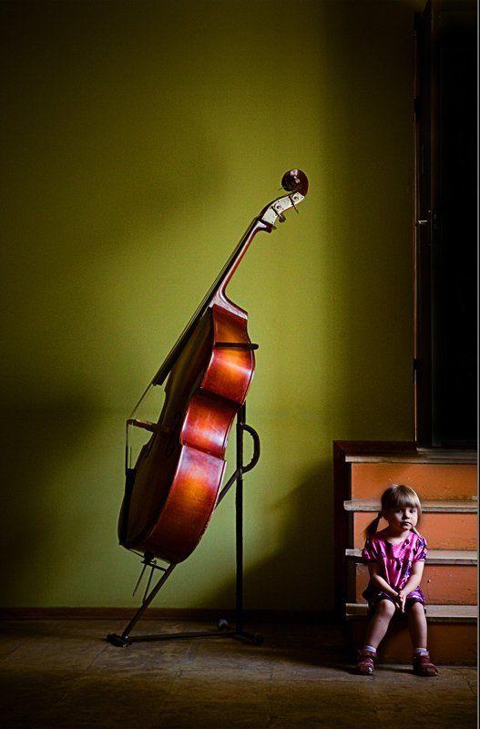 портрет, девочка, ребенок Про Большую Музыку и Маленькую Девочкуphoto preview