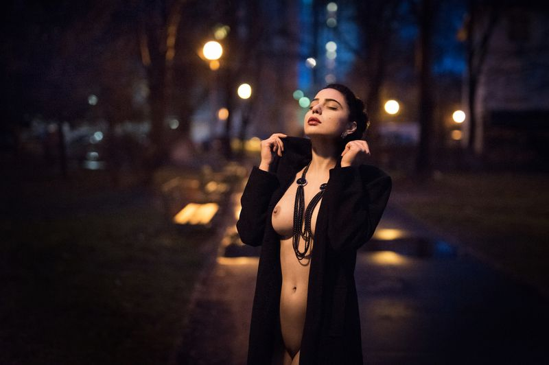 sexy, model, night, city, fashion, erotic, lips, body, naked Scent of a night onephoto preview