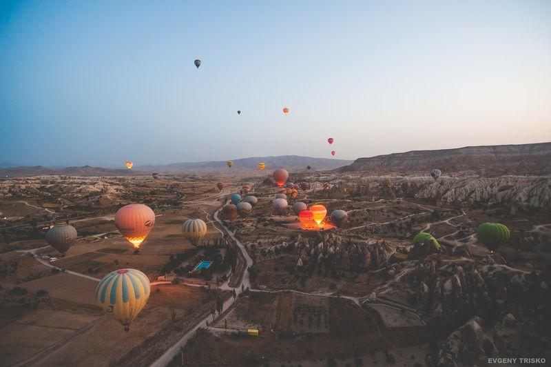 каппадокия, турция, воздушные шары, пейзаж, полёт, горы, долина, ущелье Каппадокияphoto preview