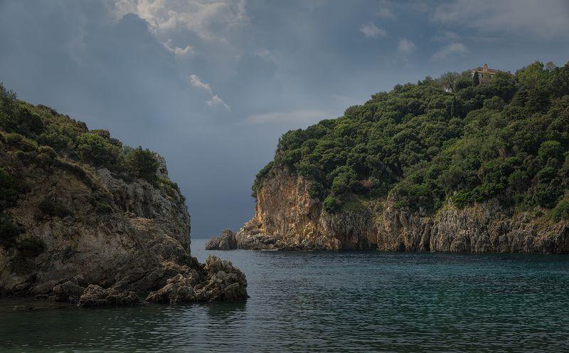 греция корфу средиземное море Сцилла и Харибдаphoto preview